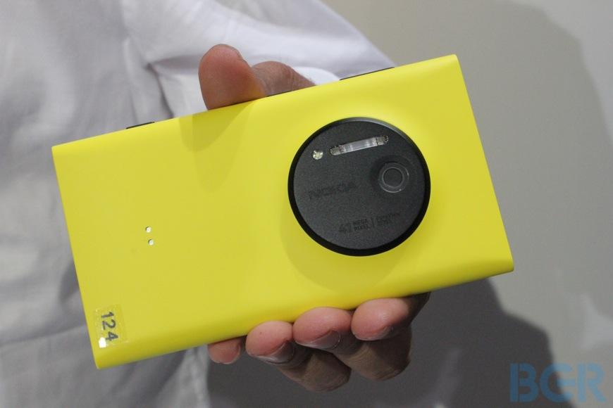 Nokia Lumia 1020 Strategy Analysis
