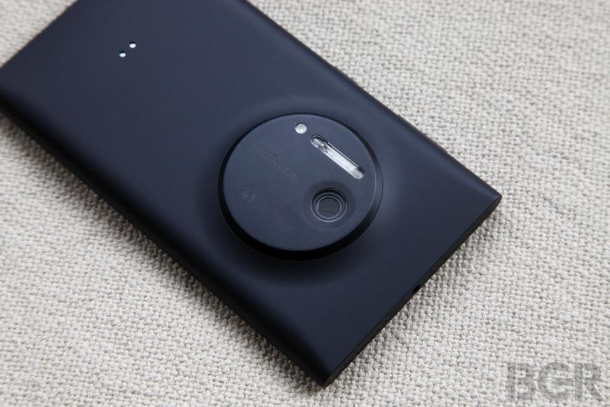BGR-Nokia-Lumia-1020-8