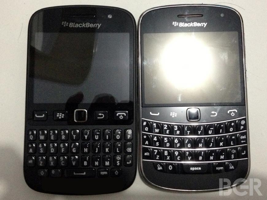 BlackBerry-9720-3