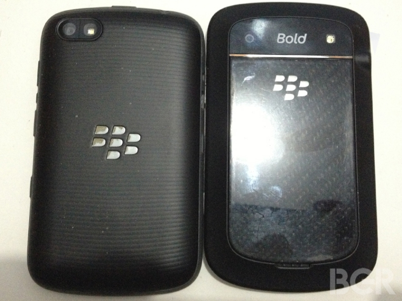 BlackBerry-9720-9