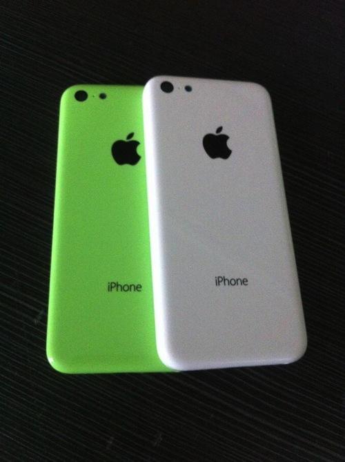 iphone-plastic-shell-leak-2