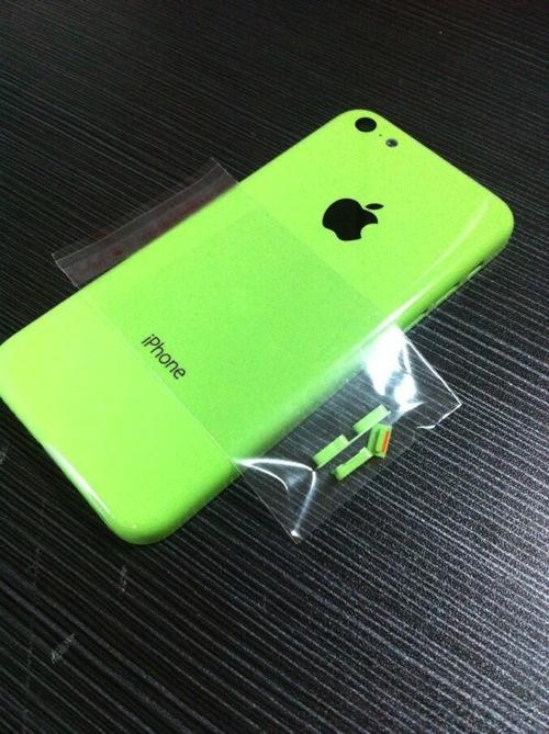 iphone-plastic-shell-leak-3