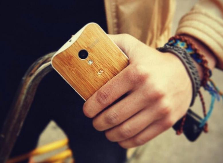 Moto X iPhone Comparison
