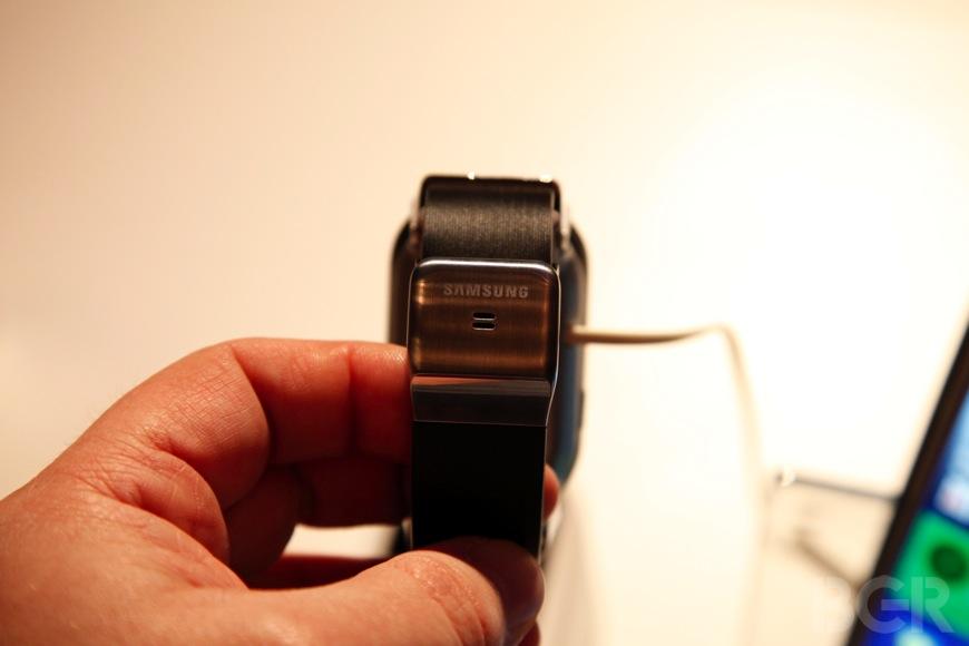 BGR-Samsung-Galaxy-Gear-3