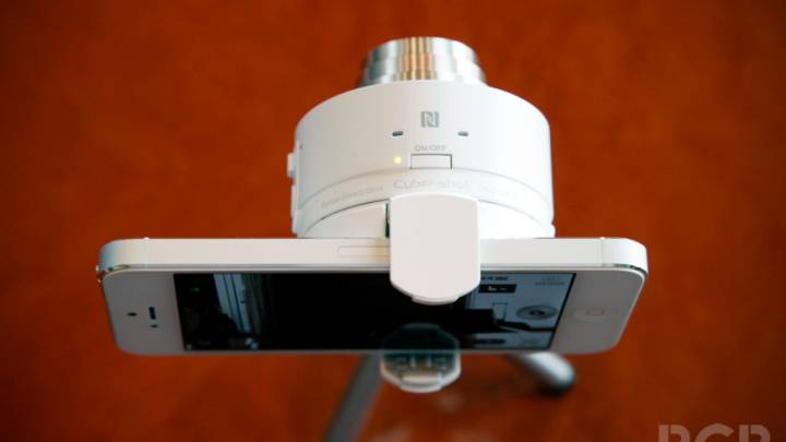 Sony Cyber-shot QX10 Hands-on