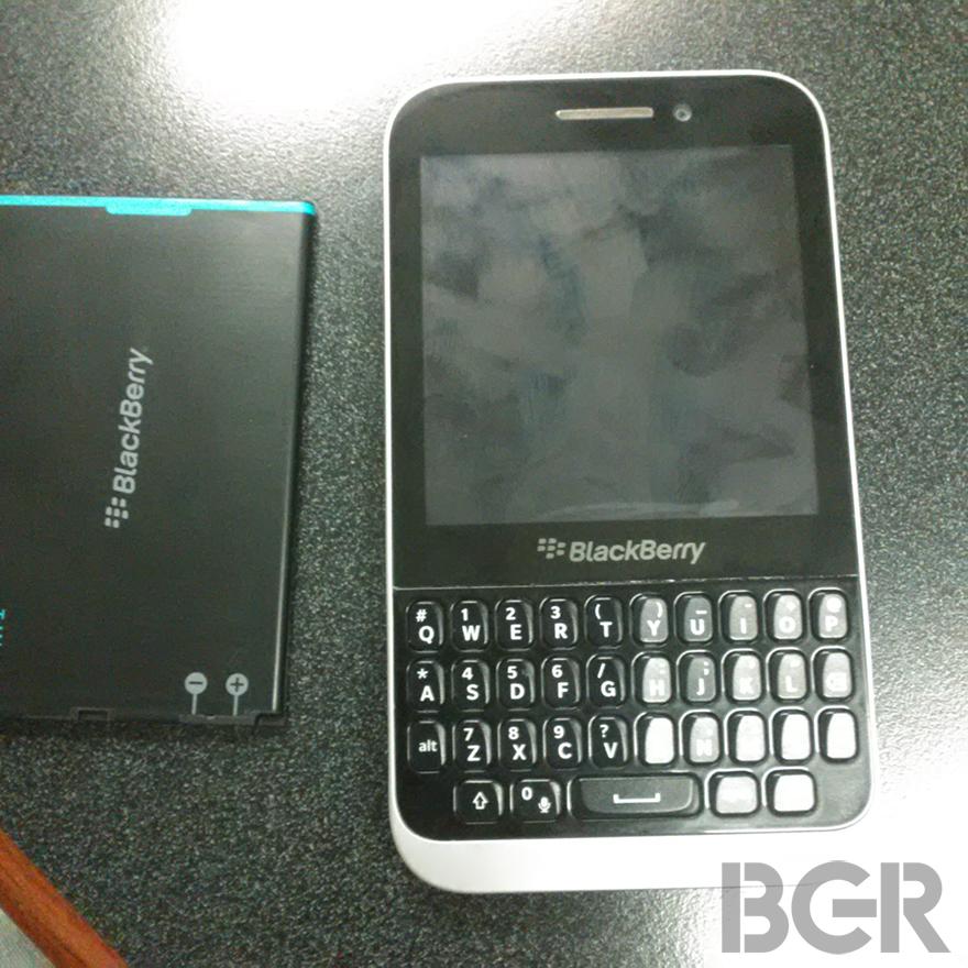 BlackBerry 10 low cost smartphone