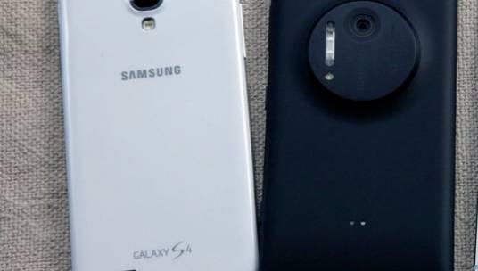 Galaxy S4 Lumia 1020 Sales