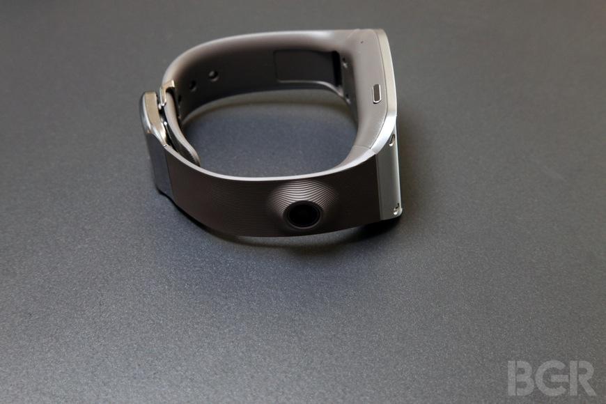 BGR-samsung-galaxy-gear-10