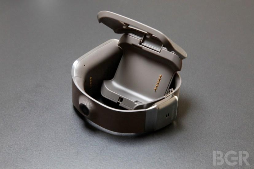 BGR-samsung-galaxy-gear-12