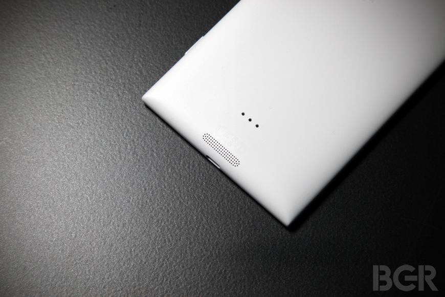 BGR-Nokia-Lumia-1520-10