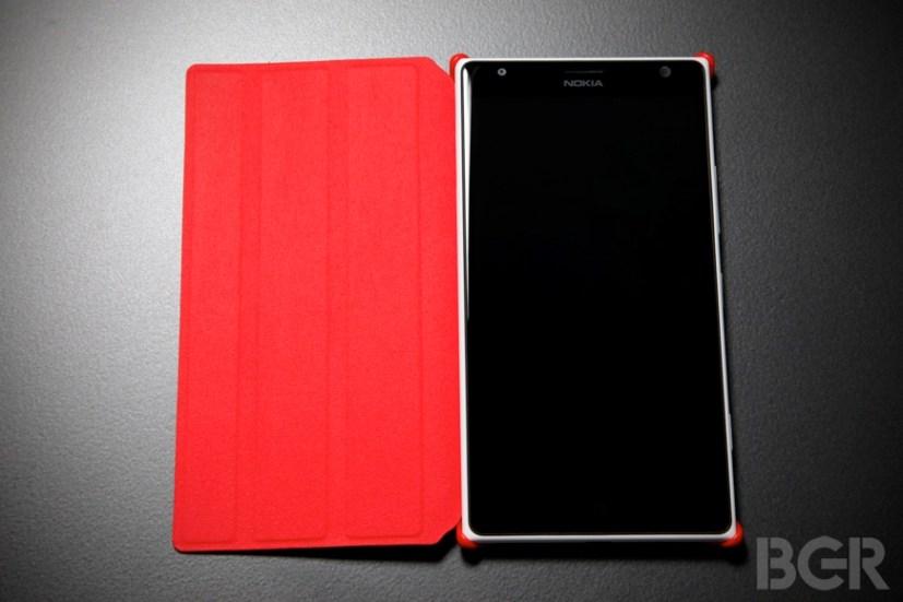 BGR-Nokia-Lumia-1520-12