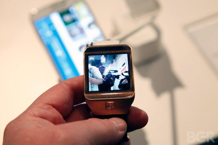 BGR-Samsung-Gear-2-4