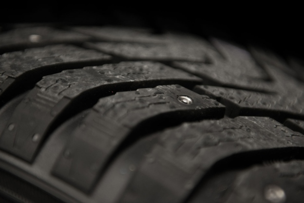 nokia-non-studded-tires-3
