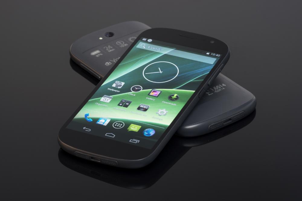 YotaPhone-2-3