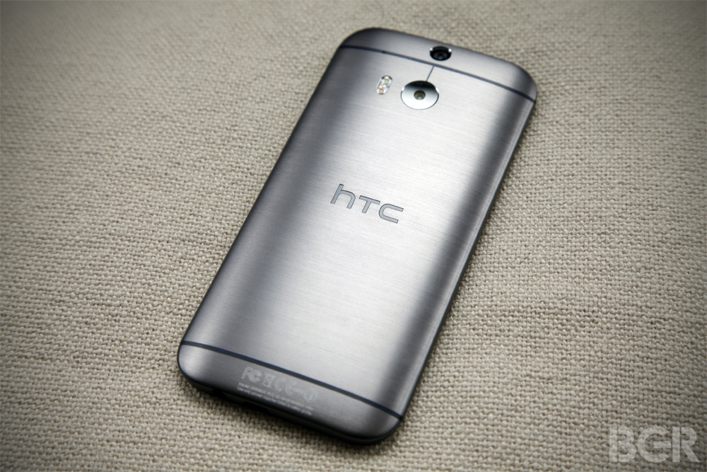 1-BGR-HTC-One-M8-top