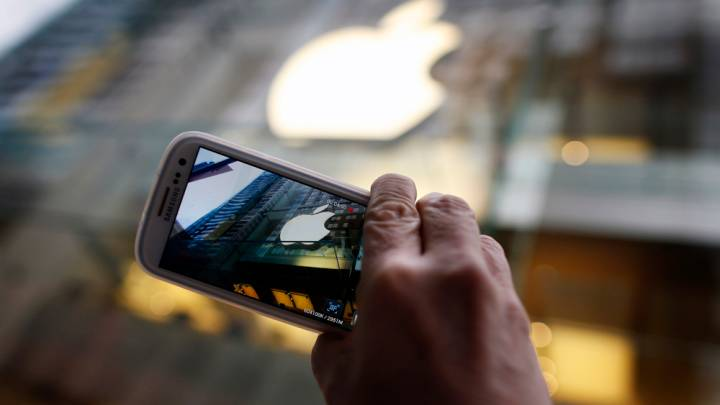 2014 Apple vs Samsung Lawsuit: Jury Questions