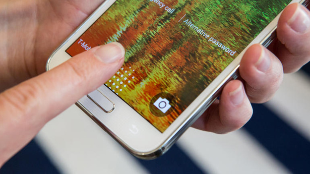 Galaxy S5 Fingerprint Scanner Hack