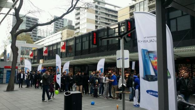 galaxy-s5-launch-rotterdam