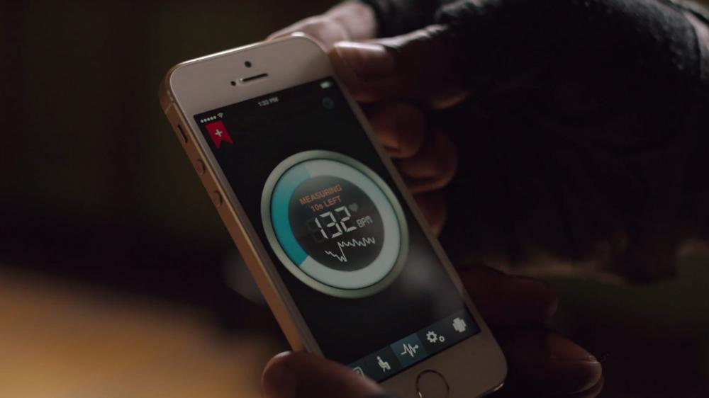 iPhone 5s vs Galaxy S5 Heart Rate Sensor