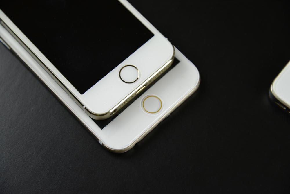 Apple-iPhone-6-Mockup-17