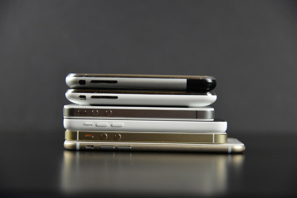 Apple-iPhone-6-Mockup-25