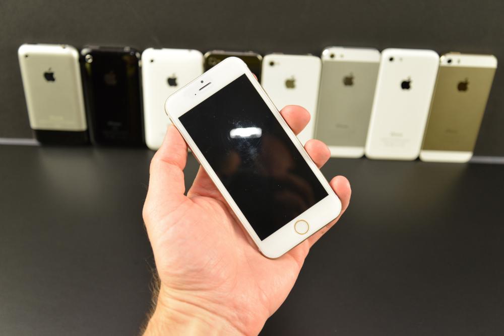 Apple-iPhone-6-Mockup-44