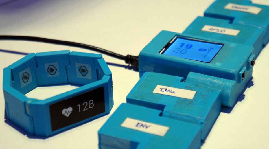 blocks-smartwatch-design-prototype-1