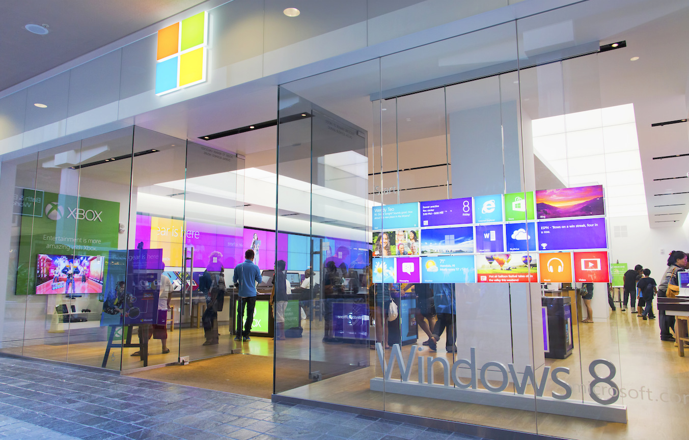 Best windows pc deals microsoft stores cut out bloatware for Best windows in the world