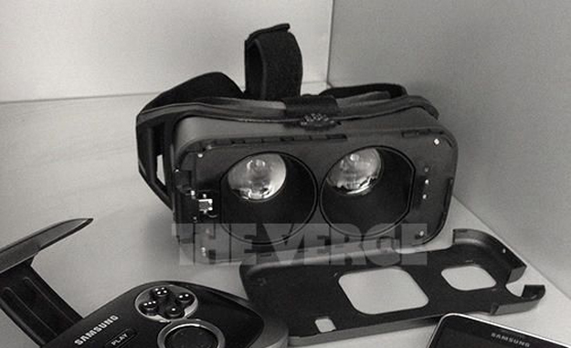 Samsung VR Headset Photo