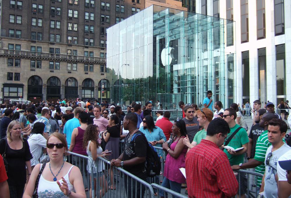 Apple Watch and Retina MacBook