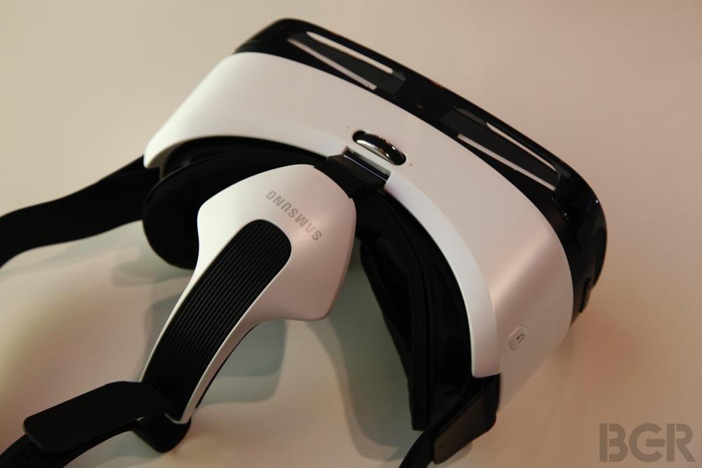 BGR-Samsung-Gear-VR-4