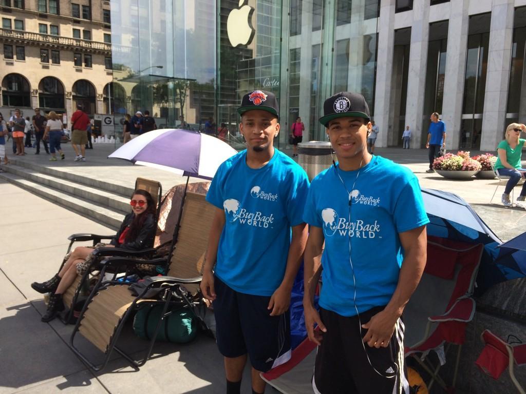 iPhone 6 Apple Store Line
