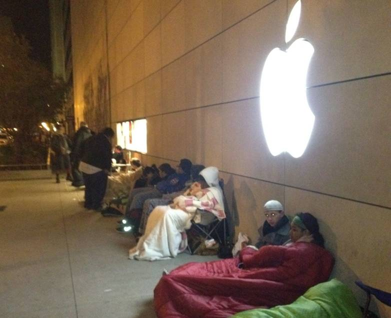 iPhone 6 Apple Store Lines