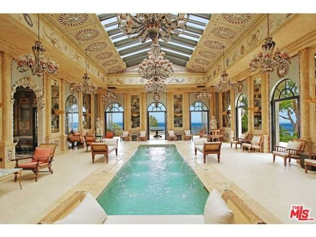 Biggest mansions in america the 25 biggest homes on the for Largest homes in america