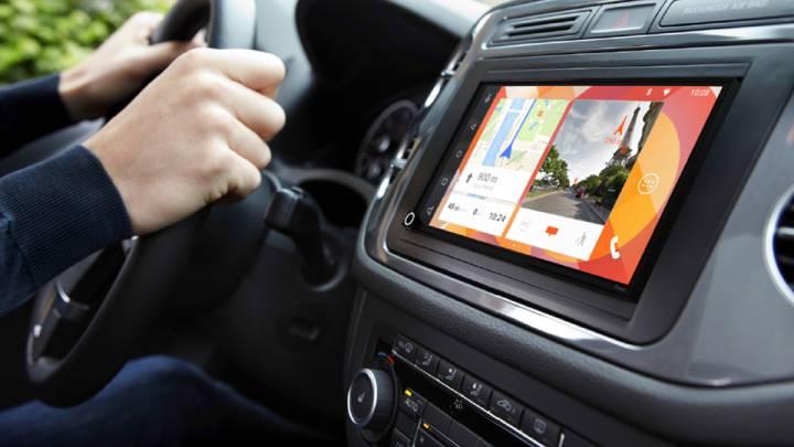 CarPlay vs Android Auto: Parrot RNB 6