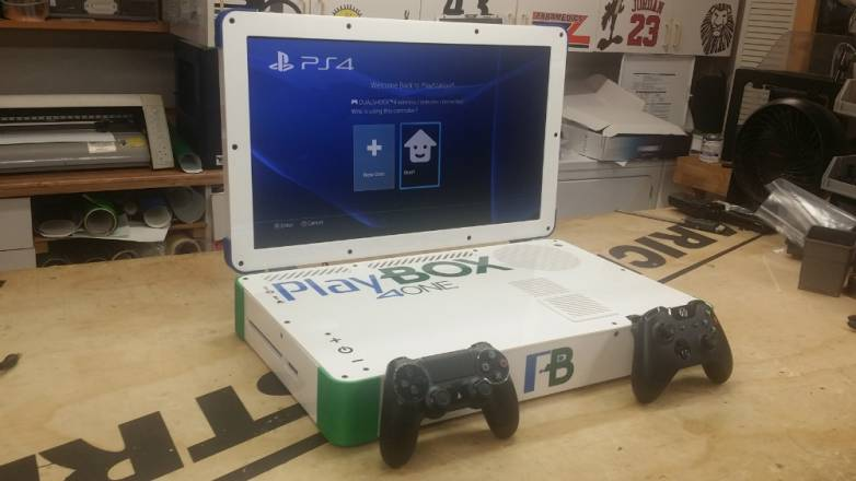 Xbox One vs. PlayStation 4 Laptop