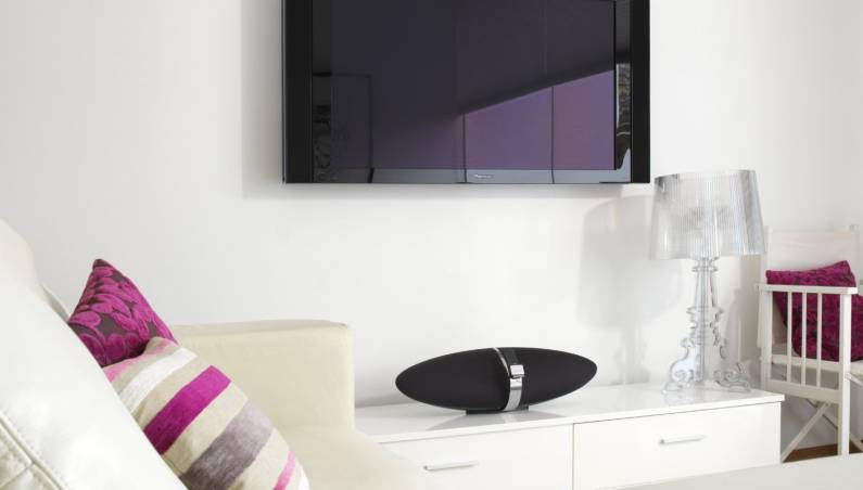 3 Sleekest Wireless Speakers