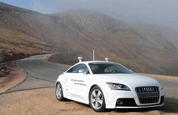 Driverless Car Vs Racecar