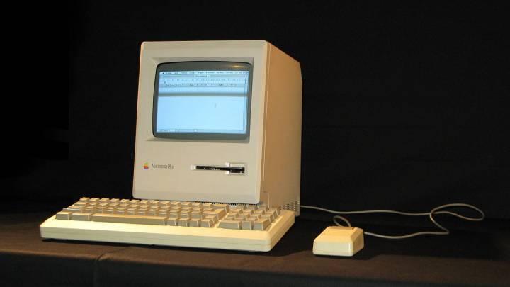 1986 Mac Plus Internet