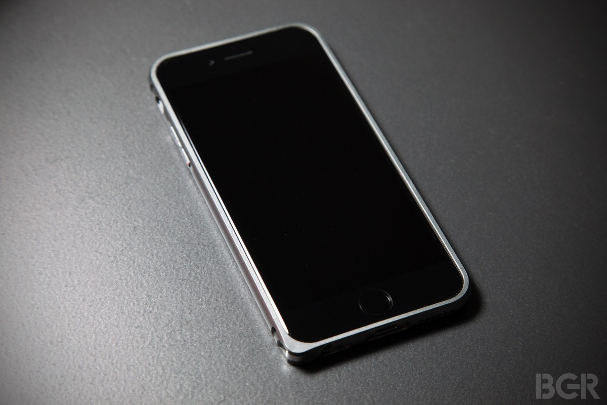 best iphone 6 case truffol s metal iphone 6 bumper is fantastic bgr. Black Bedroom Furniture Sets. Home Design Ideas