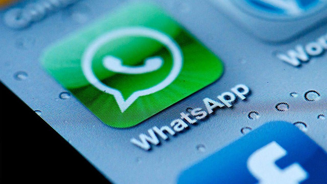 WhatsApp Email Malware Emoji Crash Chat
