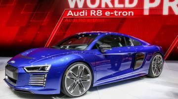 Audi R8 E-tron Photos