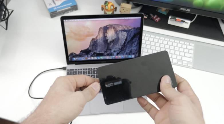Retina MacBook USB-C External Battery Pack