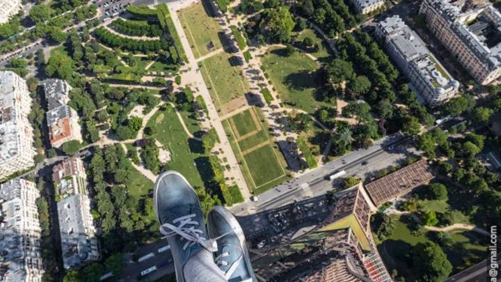 Tourist Attractions Illegal Pictures Roofs