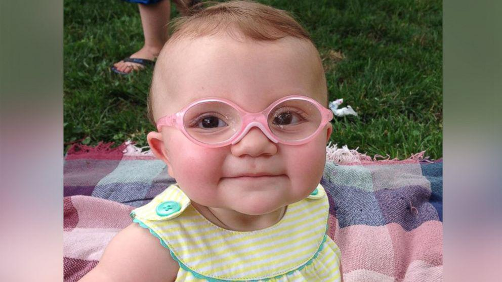 Video Baby Gets Glasses Reaction