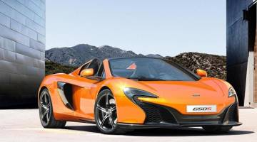 $250,000 McLaren Windshield Smashed