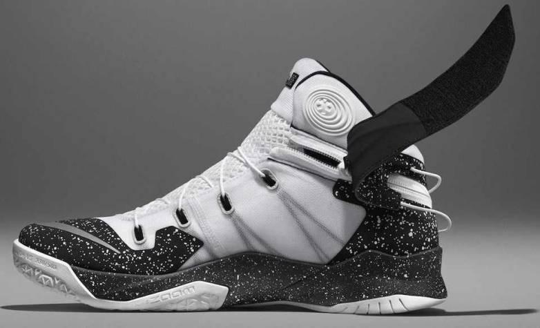 Nike Zoom Soldier 8 Flyease Sneaker