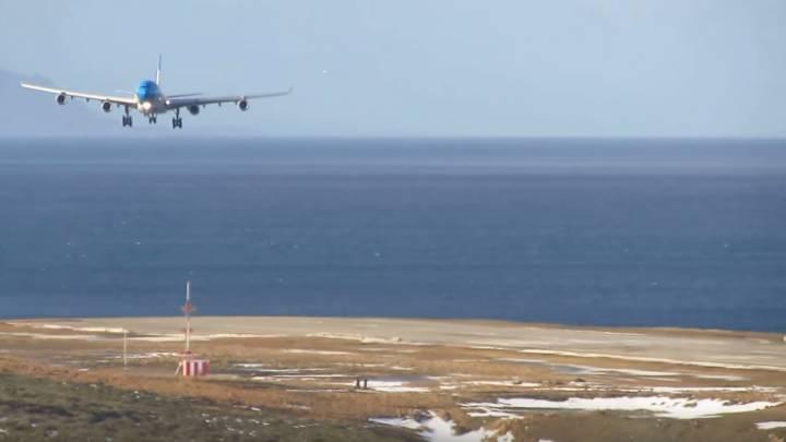 Airbus A340 Landing Crosswind Argentina