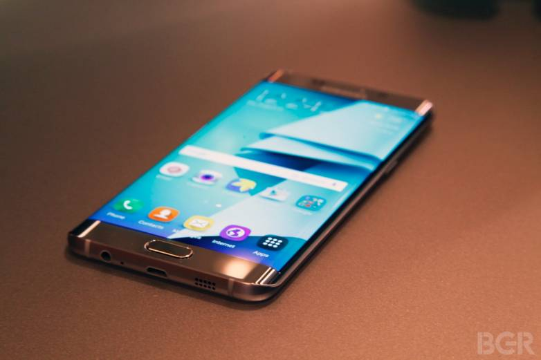 Galaxy S7 Edge Display Leaks
