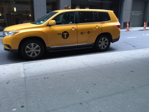 heres-a-photo-of-a-cab-taken-with-the-iphone-6-plus-its-sharp-and-the-color-is-true-to-the-scene